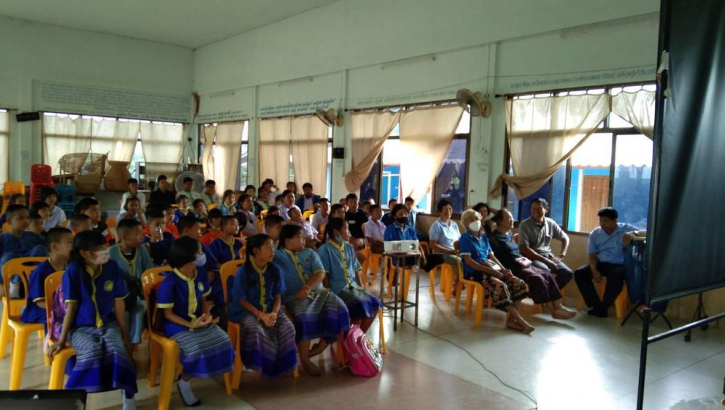 วันที่ 14 สิงหาคม 2563 องค์การบริหารส่วนตำบลดอยงามได้จัดโครงการอบรมศาสนพิธี 3 วัย ให้กับกลุ่มผู้สูงอายุ กลุ่มพัฒนาสตรี และกลุ่มเด็กและเยาวชน รวม 90 คน ณ โรงเรียนผู้สูงอายุตำบลดอยงาม วัดจำคาวตอง ซึ่งได้รับเกียรติจากนายสุรศักดิ์ ไชยา รองนายกองค์การบริหารส่วนตำบลดอยงามเป็นประธานในพิธีเปิด โครงการนี้นอกจากจะได้รับฟังการบรรยายจากวิทยากรแล้ว ยังมีการฝึกปฏิบัติเกี่ยวกับการปฏิบัติตนในงานพิธีต่างๆ อีกด้วย