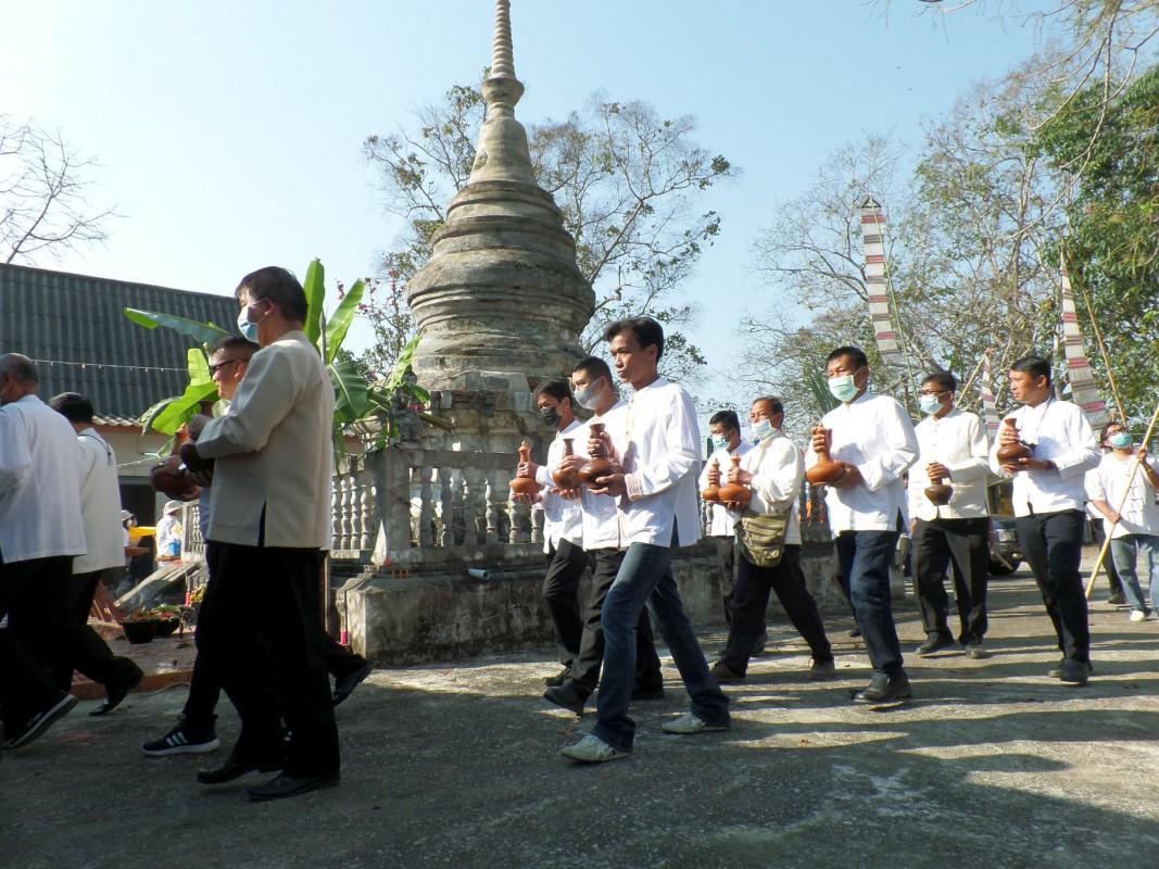 วันที่ 26 กุมภาพันธ์ 2564 องค์การบริหารส่วนตำบลดอยงามร่วมกับสภาวัฒนธรรมตำบลดอยงาม ชมรมผู้สูงอายุตำบลดอยงาม ผู้นำท้องที่ท้องถิ่น และประชาชนตำบลดอยงาม ร่วมพิธีสรงน้ำพระธาตุแก้วทันใจ ประจำปี 2564 ณ พระธาตุแก้วทันใจ บ้านสันช้างตาย ซึ่งปีนี้ตรงกับวันมาฆบูชา หรือ หกเป็งตามปฏิทินล้านนา